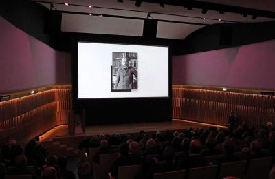 Τη μυθιστορηματική ζωή του Ελευθερίου Βενιζέλου παρουσιάζει η «Καθημερινή» σε συνεργασία με το Εθνικό Ιδρυμα Ερευνών και Μελετών «Ελευθέριος Κ. Βενιζέλος».