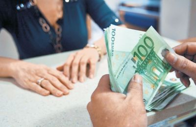 Τα ΜΕΔ στα νοικοκυριά ανήλθαν στα 4.96 δισ. ευρώ