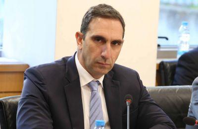 Με την σημερινή απόφαση φαίνεται ότι υπάρχει και η πολιτική βούληση για εγγύηση των οικονομικών όρων του μνημονίου, ανέφερε ο κ. Ιωάννου.