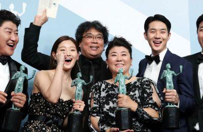 Το «Parasite» έγινε η πρώτη ξενόγλωσση ταινία που κατάφερε να κερδίσει το καλύτερο βραβείο και να συγκριθεί με τις τεράστιες παραγωγές του Hollywood