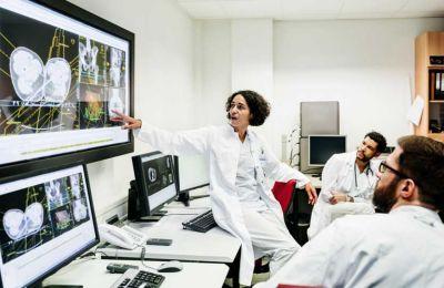EY: Απαραίτητος ο ψηφιακός μετασχηματισμός των υπηρεσιών υγείας