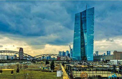 Έτοιμες οι δύο τράπεζες να βγάλουν από τους ισολογισμούς τους δάνεια 4,2 και πλέον δισ. ευρώ.