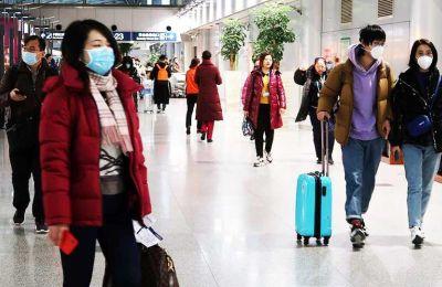 Τα συμπτώματα του νέου ιού μοιάζουν με αυτά που προκαλεί το κοινό κρυολόγημα.
