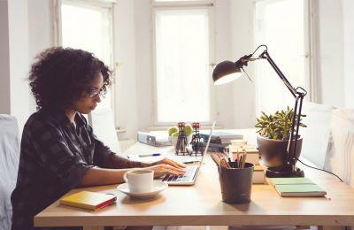 Όλο και περισσότεροι millennials μπαίνουν στον στίβο εργασίας και επιζητούν την ισορροπία μεταξύ προσωπικής και επαγγελματικής ζωής.