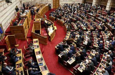 Χαρακτηριστικό του κλίματος είναι ότι για την «κατάργηση» του επίμαχου άρθρου 50 ο ΣΥΡΙΖΑ μίλησε για δικαστική προσφυγή.