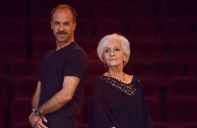 «Πρωταγωνίστρια είναι η ερμηνεία, η ενσάρκωση της Μπρουνχίλντε Πόμσελ…», λέει ο Ανδρέας Αραούζος για την παράσταση