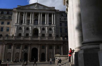 Ο βρετανικός δείκτης FTSE 100 σημειώνει τη μεγαλύτερη άνοδο με 7.34% ή +384.55 μονάδες