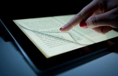 Τα βιβλία είναι ψηφιοποιημένα σε μορφή epub3, όπως τα βιβλία των Amazon Kindle και Apple iBooks, με δυνατότητα υπογραμμίσεων, google search