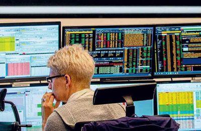 Ανοδικά κινήθηκαν οι παγκόσμιες χρηματιστηριακές αγορές χθες, μετά τη μαζική παρέμβαση κεντρικών τραπεζών και τα δημοσιονομικά μέτρα.