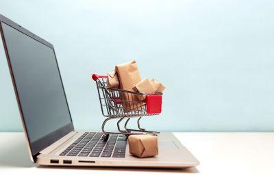 Δεν αποκλείεται τις επόμενες μέρες να δούμε περισσότερες υπεραγορές να προσφέρουν οργανωμένα την επιλογή του delivery.