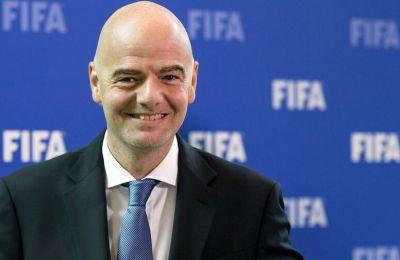 Η FIFA ζητάει από τους παίκτες να δεχθούν μείωση 50%