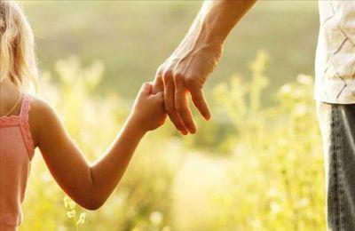 Υπ. Εργασίας: Διαθέσιμη η αίτηση για την Ειδική Άδεια Φροντίδας Παιδιών