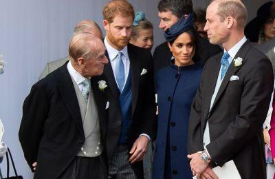 Ο πρίγκιπας Φίλιππος φέρεται να έμενε στο Sandringham (τον αγαπημένο καλοκαιρινό προορισμό της βασίλισσας) και η Ελισάβετ στο Buckingham