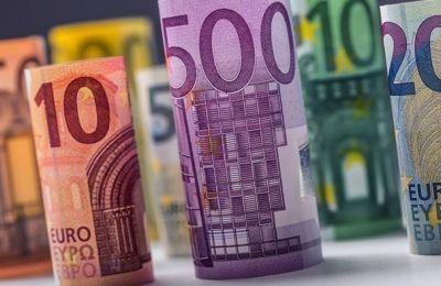 Επί της ουσίας, δεν γίνεται αναστολή των δόσεων, αλλά «λαικά», παγώνει ο χρόνος για 9 μήνες στην καταβολή δανείων όσων αιτηθούν.