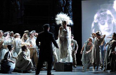 Το Μέγαρο Μουσικής Aθηνών εγκαινιάζει έναν κύκλο ψηφιακών αναμεταδόσεων, προβάλλοντας στη διαδικτυακή «σκηνή» του εξαιρετικές συναυλίες και παραστάσεις που οι ίδιοι οι θεατές ανέδειξαν και αγάπησαν