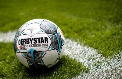 Η μπάλα σύντομα ξαναστήνεται στη σέντρα στη Γερμανία