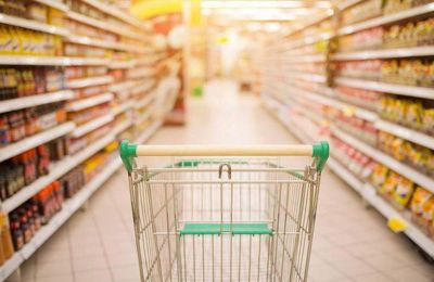 Oι καταναλωτές θα πρέπει να πετούν όλες τις πλαστικές σακούλες μιας χρήσης.