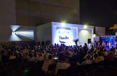 Αρχίζει στις 17 Ιουνίου το καλοκαιρινό πρόγραμμα του Θεάτρου Ριάλτο με τον γενικό τίτλο Rialto Open Air, προσφέροντας την καινούργια εμπειρία θέασης του Drive-Ιn.