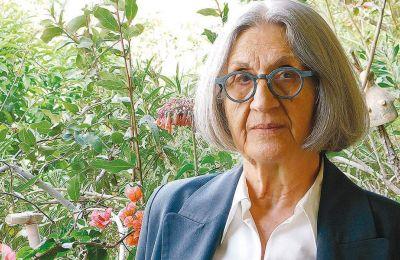«Η Μάρω Δούκα θα μπορούσε να ονομαστεί η κορυφαία Ελληνίδα πεζογράφος της Μεταπολίτευσης», λέει η κριτικός λογοτεχνίας Ελισάβετ Κοτζιά