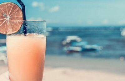 20 τέλεια μέρη για cocktail δίπλα στη θάλασσα