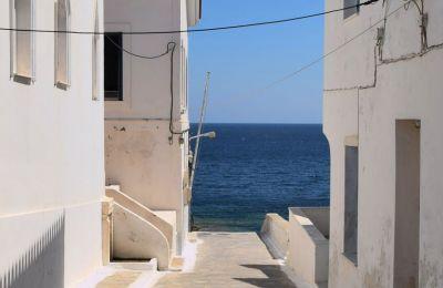 Υπάρχουν 8 ελληνικοί προορισμοί οι οποίοι είναι ιδανικοί για όσους δεν είναι φαν της πολυκοσμίας και αναζητούν απλώς ένα ωραίο μέρος για να χαλαρώσουν