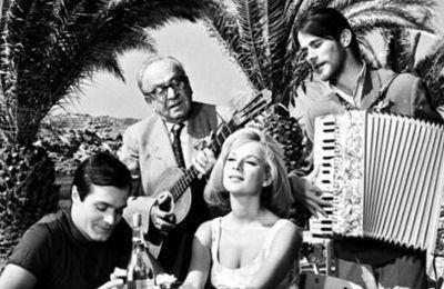 Κατά την διάρκεια της επαγγελματικής του πορείας έπαιξε σε κινηματογραφικές ταινίες όπως «Άντρας είμαι και...το κέφι μου θα κάνω», το Δόλωμα με την Αλίκη Βουγιουκλάκη