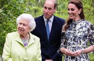Η σύζυγος του πρίγκιπα William φοράει το μονόπετρο με το ζαφείρι 12 καρατίων, από την εποχή του αρραβώνα της και το οποίο ανήκε στην πριγκίπισσα Diana