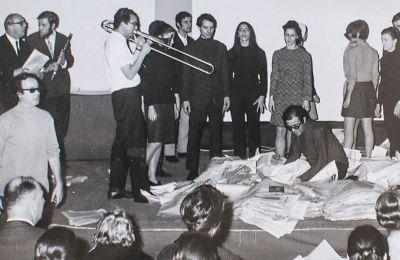 «Αnaparastasis». Στιγμιότυπο από τον «Επίκυκλο», μια δράση του 1968 στην Εβδομάδα Σύγχρονης Μουσικής
