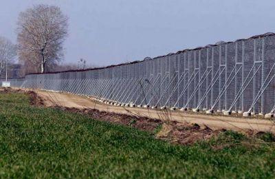 Τμήμα του φράχτη του Έβρου. Thanassis Stavrakis/Associated Press