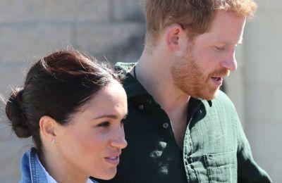 Παρά τα όσα γράφονται και ακούγονται για τις σχέσεις του ζευγαριού με τα μέλη της βασιλικής οικογένειας, αυτοί άδραξαν την ευκαιρία και είπαν χρόνια πολλά στην Meghan δείχνοντας το καλό τους πρόσωπο