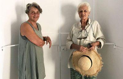Η Λίζυ Καλλιγά (αριστερά) και η Λήδα Παπακωνσταντίνου