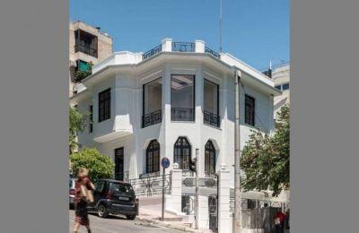 Σε ένα όμορφο νεοκλασικό κτίριο επιστρέφει η Γκαγκόσιαν