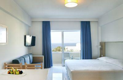 Θετικά κρούσματα σε ξενοδοχείο στον Πρωταρά