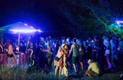 Το πάρτι στο Βερολίνο οργανώθηκε μέσω της εφαρμογής Telegram. Φωτ. GORDON WELTERS / THE NEW YORK TIMES