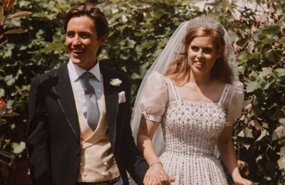 Η μικρή της αδελφή πριγκίπισσα Ευγενία, αποφάσισε να της ευχηθεί χρόνια πολλά δημοσιεύοντας μια φωτογραφία της, την οποία πρώτη φορά βλέπουμε που τραβήχτηκε μια μόλις μέρα πριν από τον γάμο