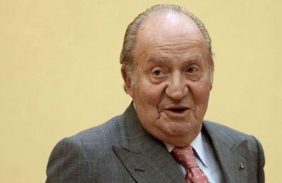 Ο πρώην βασιλιάς έφυγε από την Ισπανία μετά απο οικονομικό σκάνδαλο. Ωστόσο, δεν υπήρξε επίσημη επιβεβαίωση για τον προορισμό του, πυροδοτώντας ένα διεθνές παιχνίδι εικασιών