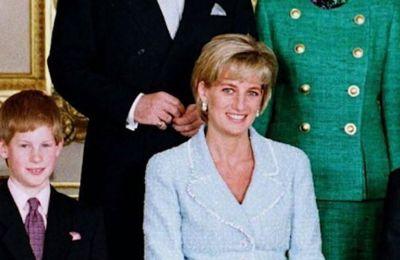 H Diana έβρισκε το φόρεμα αρκετά αποκαλυπτικό και δεν ήθελε να φέρει σε καμία περίπτωση τον έφηβο τότε William σε δύσκολη θέση