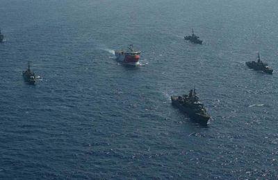 Φωτογραφίες από τα συνοδά πλοία του Oruc Reis δημοσίευσε το τουρκικό υπ. Άμυνας