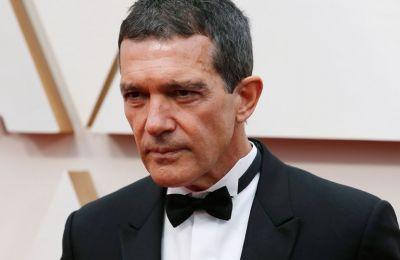 Ο ηθοποιός έκλεισε την ανάρτησή του λέγοντας πως θα αξιοποιήσει την απομόνωση για να διαβάσει και να ξεκουραστεί