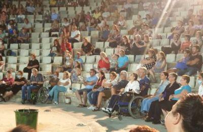 Ο Δήμος Λακατάμιας, ανανεώνει το ραντεβού για του χρόνου, με την ευχή να τελειώσει η πανδημία του κορωνοϊού, για να μπορεί το κοινό ελεύθερα να απολαύσει τις παραστάσεις