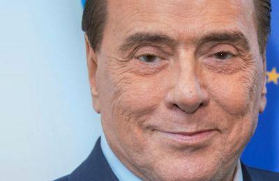 Τον Μάρτιο, το Forza Italia, το πολιτικό κόμμα του Μπερλουσκόνι, είχε επιβεβαιώσει το ειδύλλιο με τη νεαρή πολιτικό
