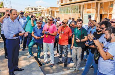 Στα τέλη Αυγούστου του 2019, ο Κ. Όζερσαϊ έστησε ένα επικοινωνιακό show στην καρδιά του Βαρωσιού. Τ/κ δημοσιογράφοι οδηγήθηκαν στο εσωτερικό της πόλης