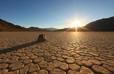 Η Κοιλάδα του Θανάτου κατείχε και το προηγούμενο αξιόπιστο ρεκόρ της υψηλότερης καταγεγραμμένης θερμοκρασίας της Γης, όταν το θερμόμετρο είχε δείξει 54 βαθμούς Κελσίου το 2013. (Φωτ. SHUTTERSTOCK)