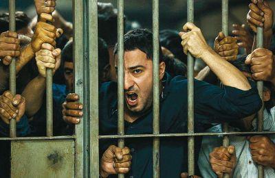 Ενα αστυνομικό θρίλερ από την Περσία και μια ιδιότυπη βιογραφία του Αλ Καπόνε ξεχωρίζουν.