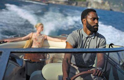 Ο σκηνοθέτης εμπιστεύεται μια γενιά νέων ηθοποιών, όπως ο Τζον Ντ. Ουάσιγκτον (φωτ.), ο Ρόμπερτ Πάτινσον και η εντυπωσιακή Ελίζαμπεθ Ντεμπίκι.