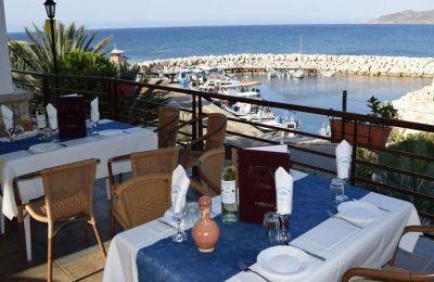 Μετά την παραλία η καλύτερη λύση είναι η βουτιά στα… θαλασσινά, με παρέα κρασάκι ή ούζο.