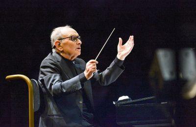 Η συναυλία-αφιέρωμα της ΚΟΑ με τα έργα του Ενιο Μορικόνε (φωτ.) θα αναμεταδοθεί ζωντανά στο Ξέφωτο του Πάρκου Σταύρος Νιάρχος