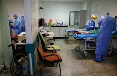 Όσον αφορά τον αριθμό των διασωληνωμένων ασθενών σε ΜΕΘ, παρέμεινε σταθερός σε 67, εκ των οποίων οι 20 είναι γυναίκες (φώτο: ΚΥΠΕ)