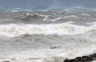 Το πρωί της Πέμπτης, ο «Ιανός» βρισκόταν στη θαλάσσια περιοχή μεταξύ Σικελίας και Πελοποννήσου, με τάσεις ενίσχυσης.