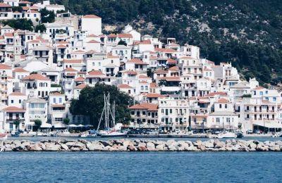 Στην λίστα του ταξιδιωτικού περιοδικού Travel + Leisure με τα 30 κορυφαία μυστικά νησιά του κόσμου βρέθηκε η Ελλάδα με την Σκόπελο